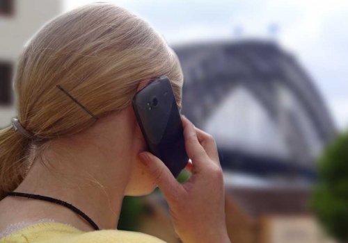 Notfallhotline & Hilfe für Work & Traveller vor Ort